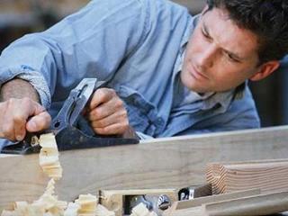 Нужны разнорабочие для изготовления деревянной садовой архитектуры