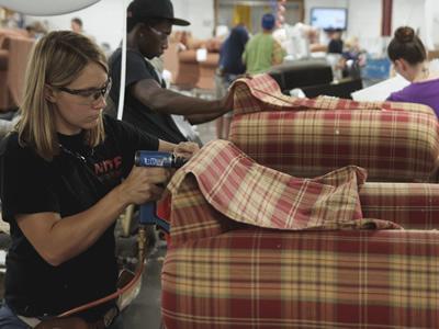 Работа столяра-сборщика каркасов мягкой мебели в Польше
