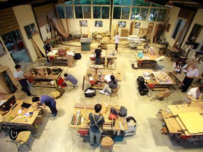 Работа столяра-сборщика по изготовлению корпусной мебели в Польше