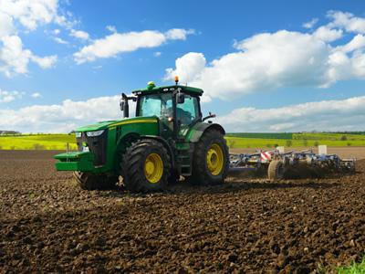 Вакансия для тракториста в Эстонии