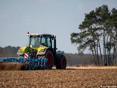 Вакансия тракториста в Литве с хорошей платой