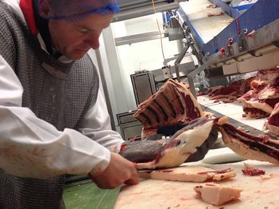 Робота в Литві: оброблення, обвалювання і жиловка м'яса