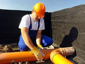Прокладка водопровідних і каналізаційних труб в Латвії
