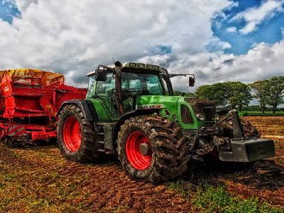 Вакансія для тракториста в Естонії