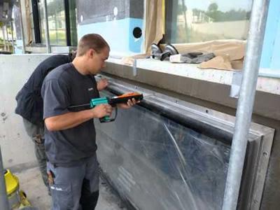 Вакансия для монтажника безрамных конструкций из стекла в Литве