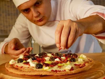 Вакансия повара-пиццайоло в Латвии