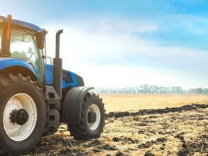 тракторист для роботи на фермі в  Єстонії