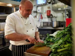 Робота для помічника кухаря на кухні мережі ресторанів в Литві