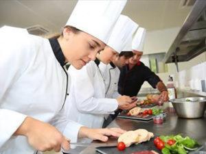 Работа для повара в ресторан европейской кухни в Китае