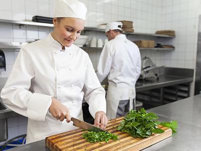 Вакансія для помічника кухаря в Естонії