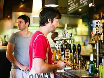 Вакансия для помощника бармена в Литве