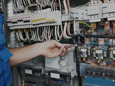 Вакансія для електрика на виробництві в Латвії