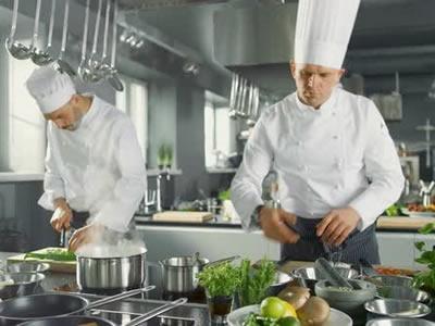 Вакансия для работника кухни в Латвии