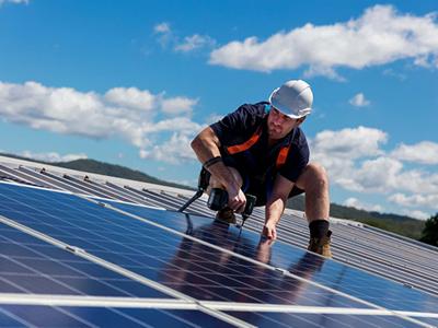 Вакансія для електрика на монтаж сонячних батарей в Литві