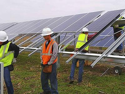 Вакансія для електрика на монтаж і підключення сонячних батарей в Естонії