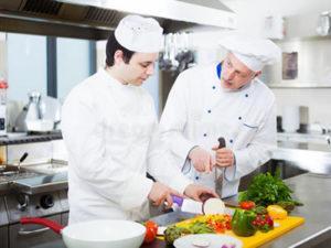 Робота для помічника кухаря ресторану при готелі