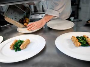 Робота для кухаря-універсала ресторану при готелі