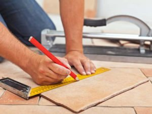 Робота для плиточника на будівельному об'єкті