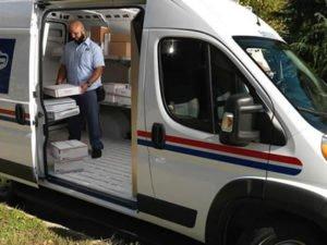 Работа для водителя-курьера по доставке посылок на адрес получателя
