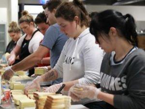 Робота на підприємстві із виготовлення бутербродів