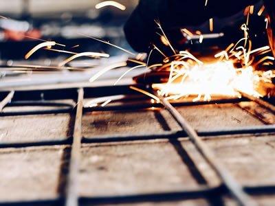 Вакансия для сварщика и монтажника металлоконструкций на производстве в Польше