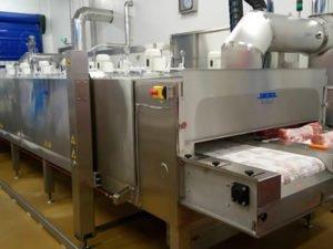 Работа оператора замораживающей машин и оборудования