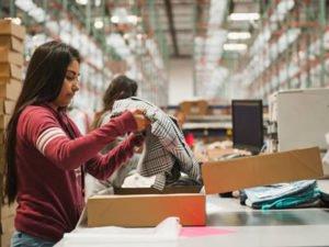 Нужны работники на склад одежды и товара