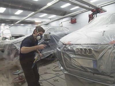 В сеть СТО и авто магазинов в Литве открыта вакансия автомаляра