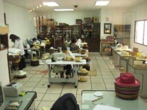 Работа для швеи на производстве головных уборов