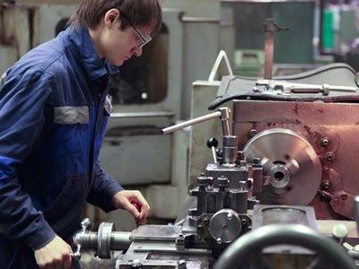 Вакансия для слесаря на производстве в Польше
