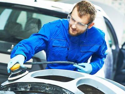 В сеть СТО и авто магазинов в Литве открыта вакансия слесаря по ремонту кузова