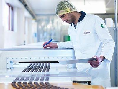Вакансия для оператора на шоколадной фабрики в Польше