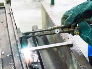 Робота для газозварювальника на виробництві