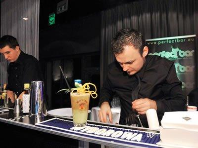 Вакансия для бармена и официанта в Турции
