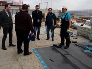 Робота для покрівельника (будівництво та ремонт дахів)