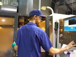 Робота для оператора станка ЧПУ на виробництві
