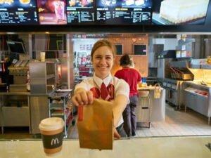 """Работа для студентов в """"McDonald's"""""""