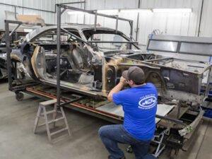 Робота для майстра по реконструкції автомобілів