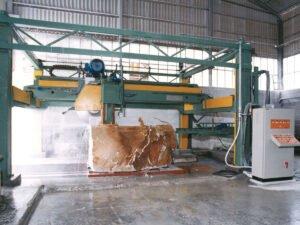 Робота для фахівця з обробки граніту і мармуру