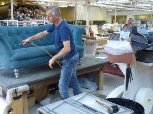 Работа для обойщика мебели тканями