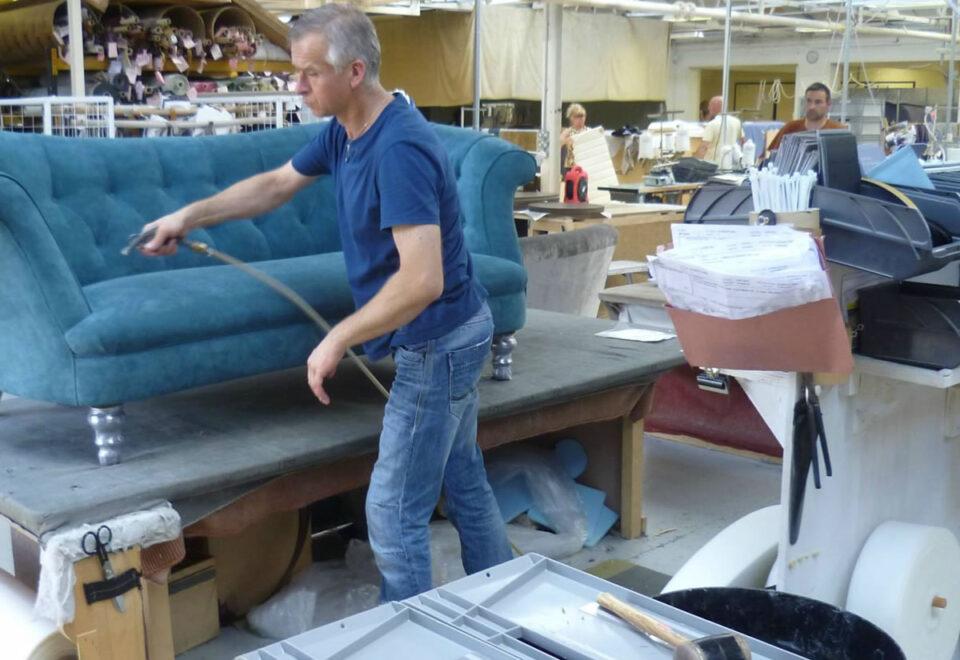 Вакансия для обивщика мебели в Литве