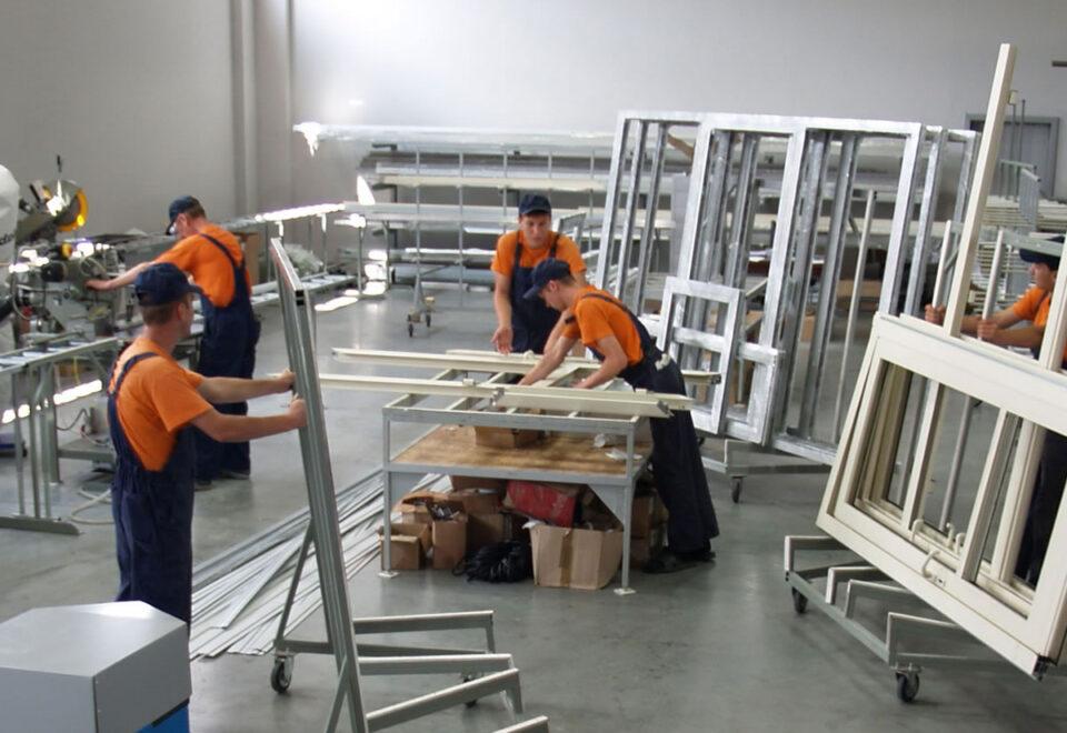 Вакансия для работника на производстве окон в Литве