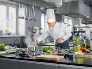 Работа для повара в ресторане на кухне