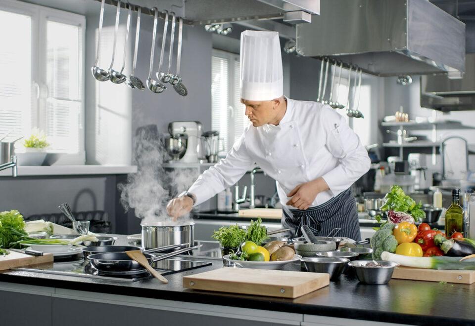 Вакансия для повара в ресторане в Польше